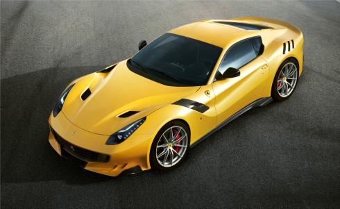 YEni Ferrari F12tdf
