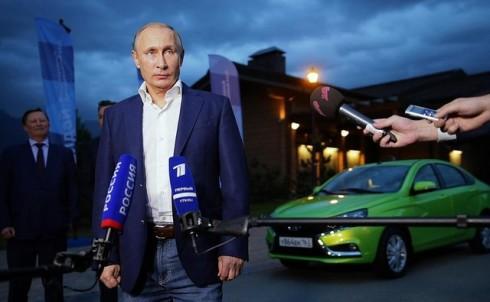 Yeni Lada Vesta'yı Vladimir Putin Test Etti