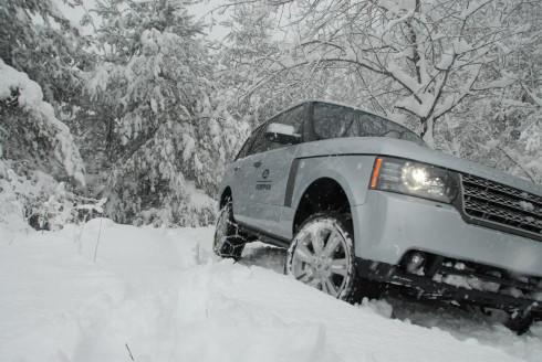 Çekiş gücüne güvenerek kış lastiğini pas geçmek