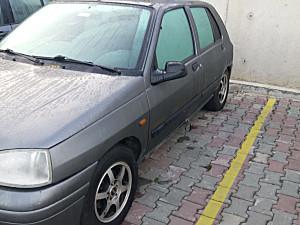 1998 MODEL 160.000 KM DE RENAULT CLIO