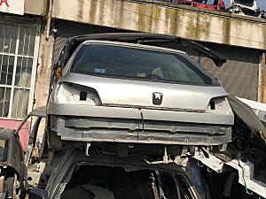 Peugeot 306 Tavan arka ve diğer bütün parçalar hatasız orjinal çıkma