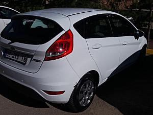 Kazasiz hasar kayitsiz boyasız Ford Fiesta benden temizi yok