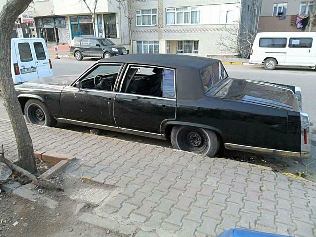 1982 Cadillac Fleetwood 8 otomatik