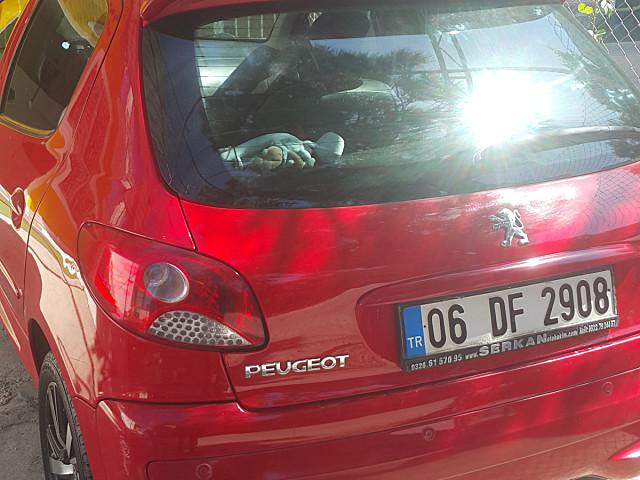 Güvenilir bir arabadır.2011.1.4 benzin