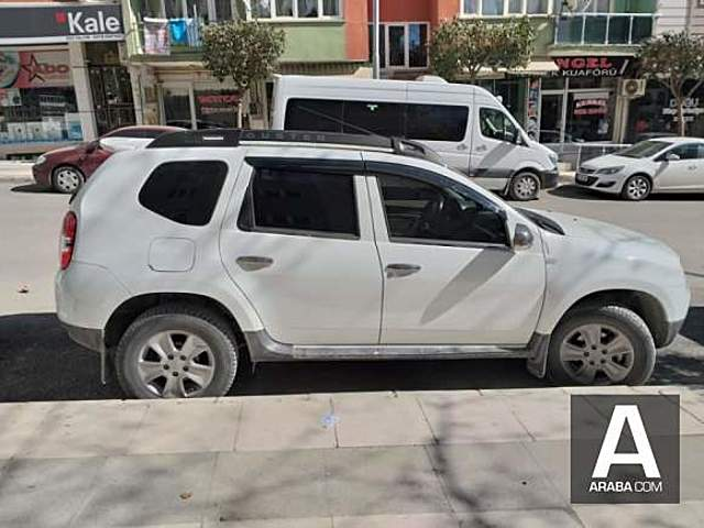 Dacia Duster 1.5 dCi Laurate 4 x 4