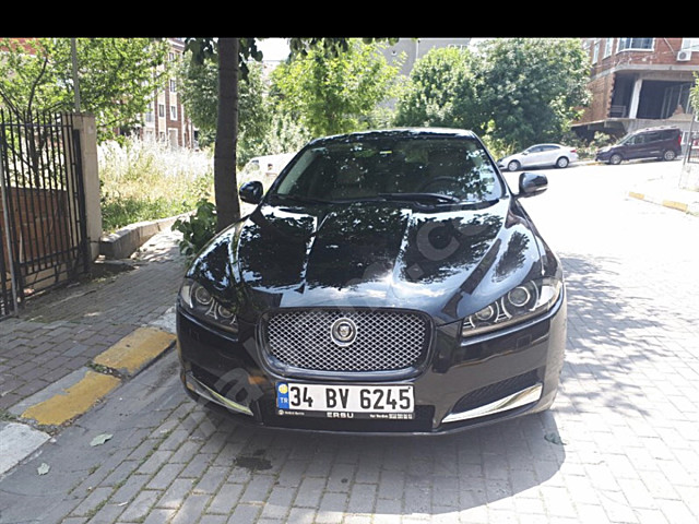 JAGUAR XF 2.0 2013 MODEL