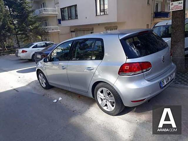 Volkswagen Golf 1.6 TDi Trendline tiptronic