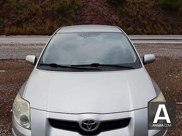 Toyota Auris 1.4 D-4D Comfort full