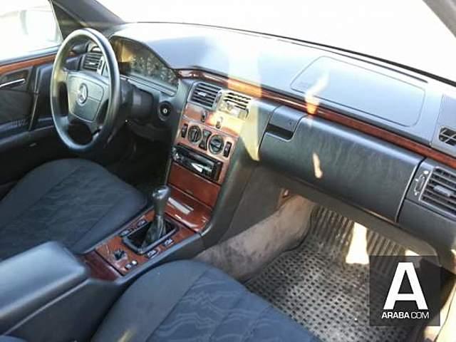 Mercedes E 200 Temiz