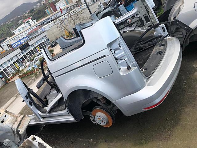 Volkswagen Caddy Tavan arka ve diğer bütün parçalar hatasız orjinal çıkma