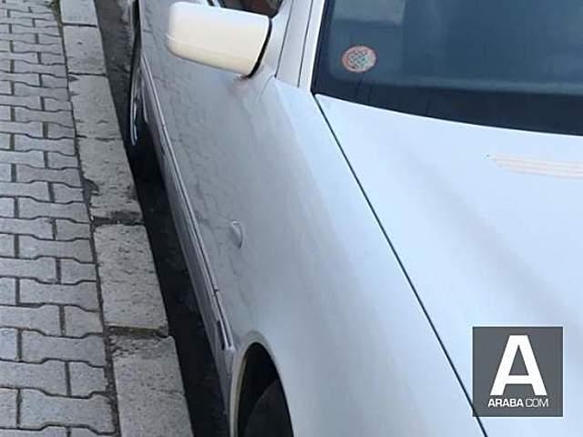 Mercedes - Benz E 200 Elegance