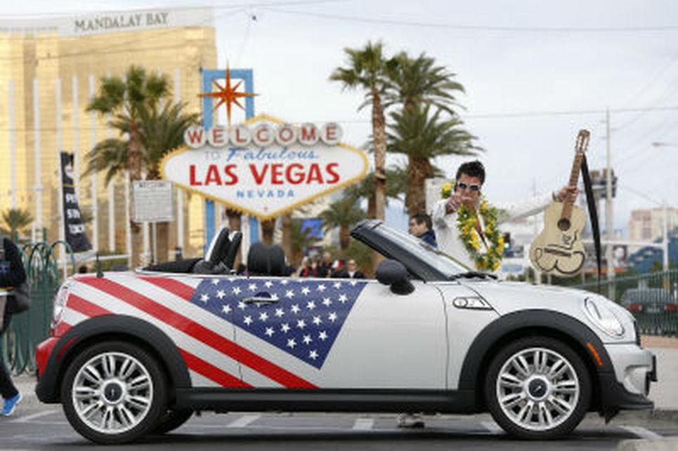 MINI Cooper, amerikan bayraklı versiyon festivalde