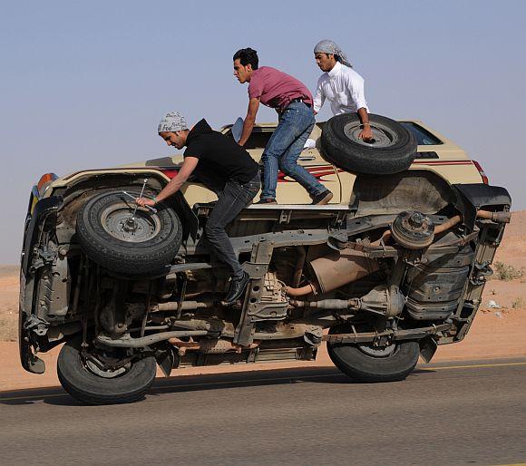 Suudi'lerden Tuhaf Sürüş