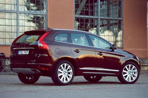 Volvo XC60 arkadan görünüm