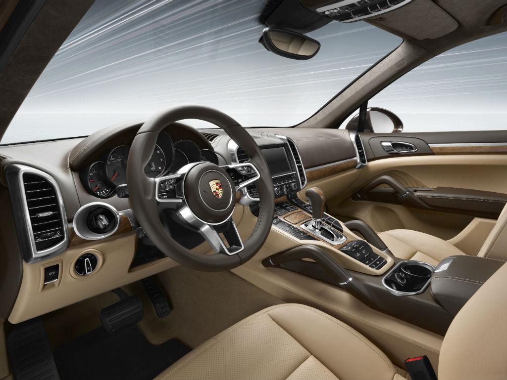 Porsche Cayenne E 2 Yeni Versiyon Geldi Tasit Com
