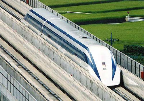Japonya'da trenler de soldan ilerliyor