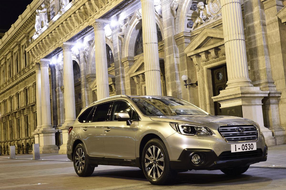 Subaru Outback'te Premium ve Limited olmak üzere 2 farklı donanım seviyesi var