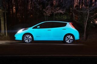 Nissan'ın geliştirdiği boya geceleri 8-10 saat kadar parlayabiliyor