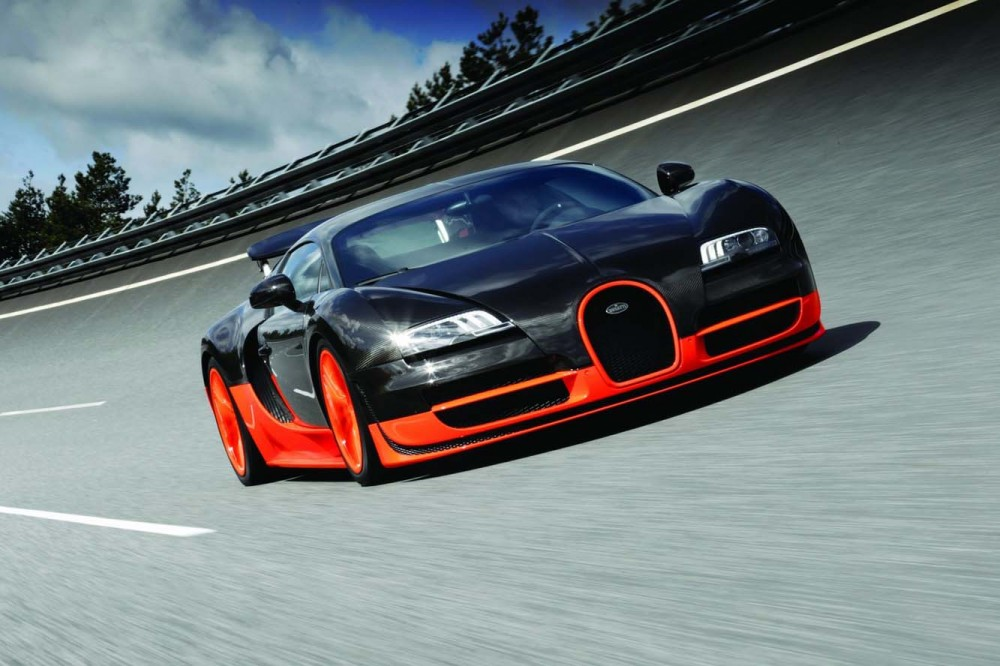 Bugatti Veyron Super Sport'un 100 km'ye çıkması sadece 2.5 sn sürüyor