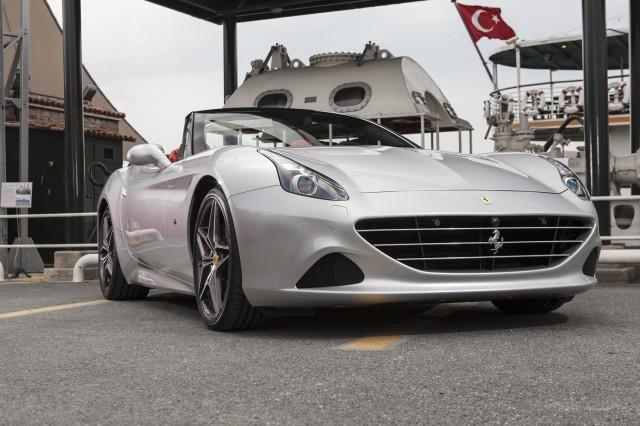 Ferrari California T , 2014 Temmuz'undan beri Türkiye'de satılıyor