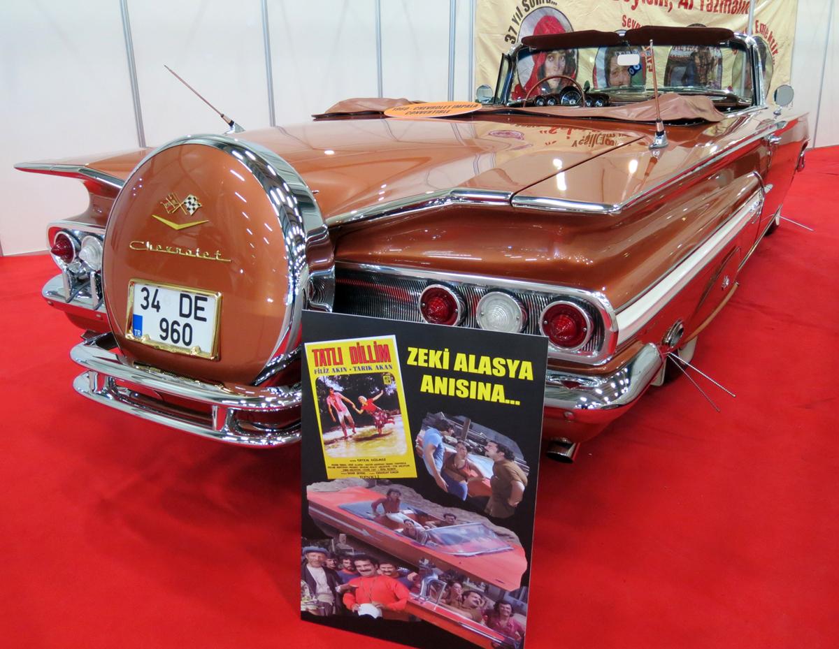 Tatlı Dillim filminden Zeki Alasya anısına Chevrolet Impala
