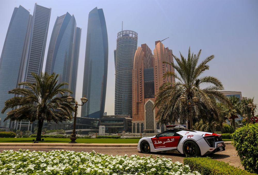 Lykan Hypersport 3.4 milyon dolar değerinde bir arap süper otomobili