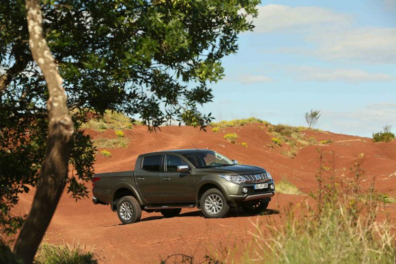 Mitsubishi L200 off road özelliklerini Dakar'da kanıtladı.