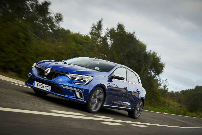 Yeni Renault Megane daha alçak