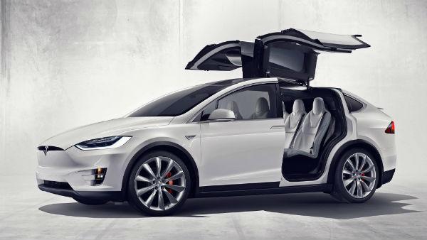 7 koltuklu Tesla Modelx