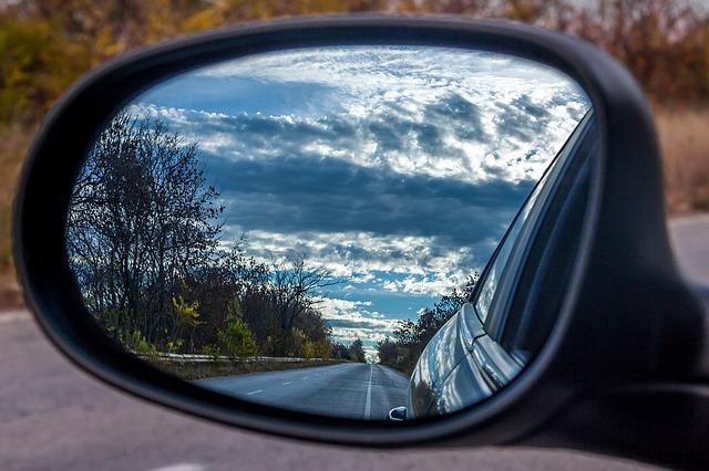 Uzun yola çıkacaksanız araba kiralamak aracın değerini koruyor