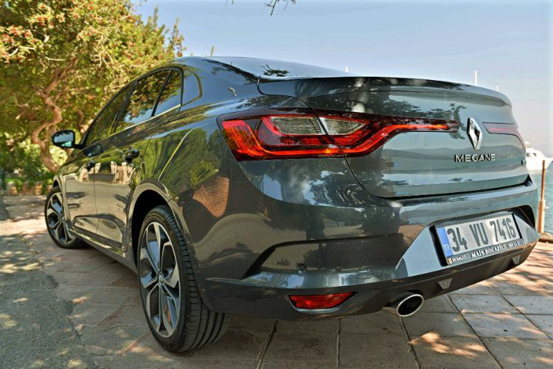 2017 renault megane sedan arka
