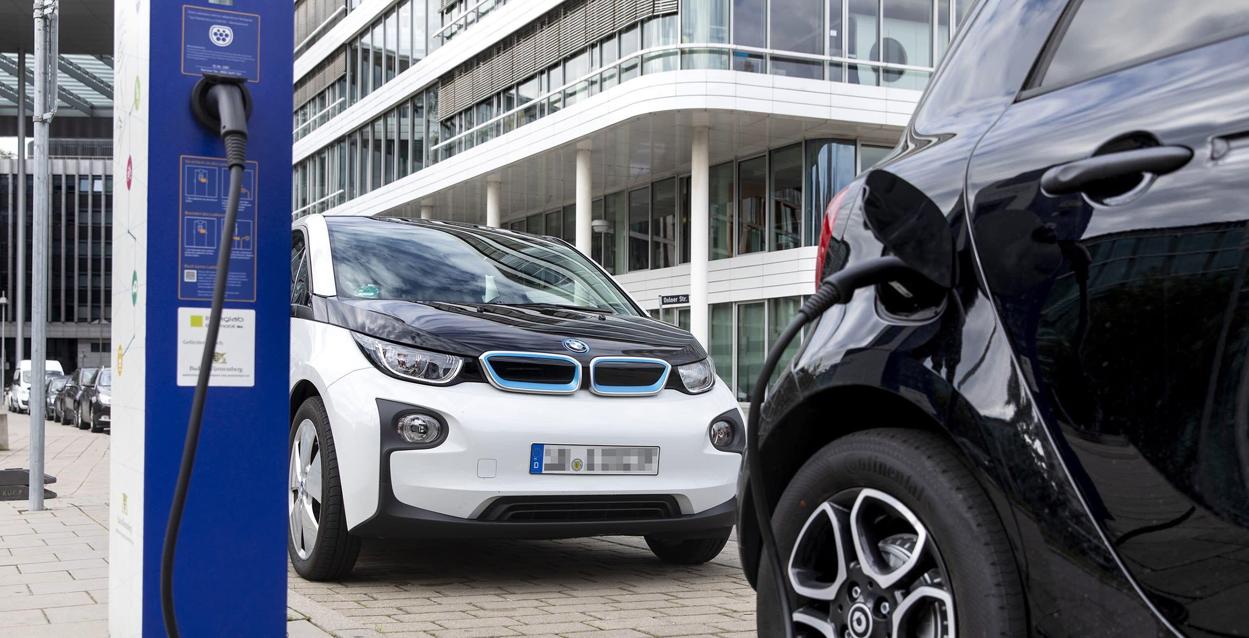 Avrupa'da Dizel ve Elektrikli Araçlar Arasındaki Yarış Devam Ediyor