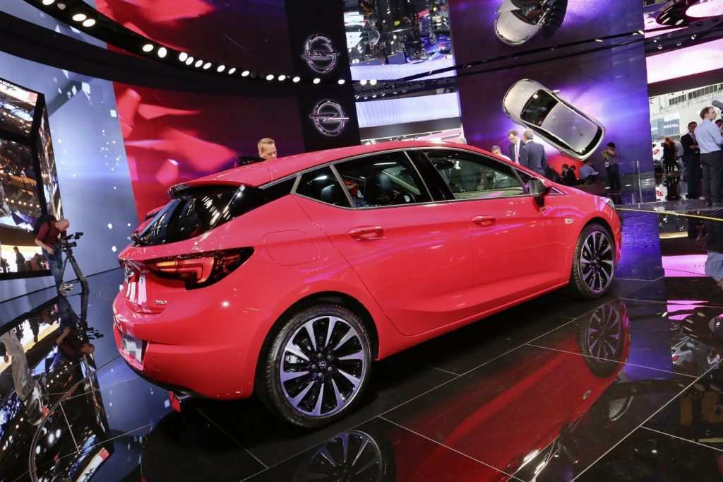 Yenilenen 2020 Opel Astra Hatchback