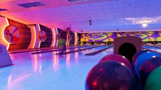 Grandwest ten pin bowling 6121.jpg.sunimage.600.315 usut54
