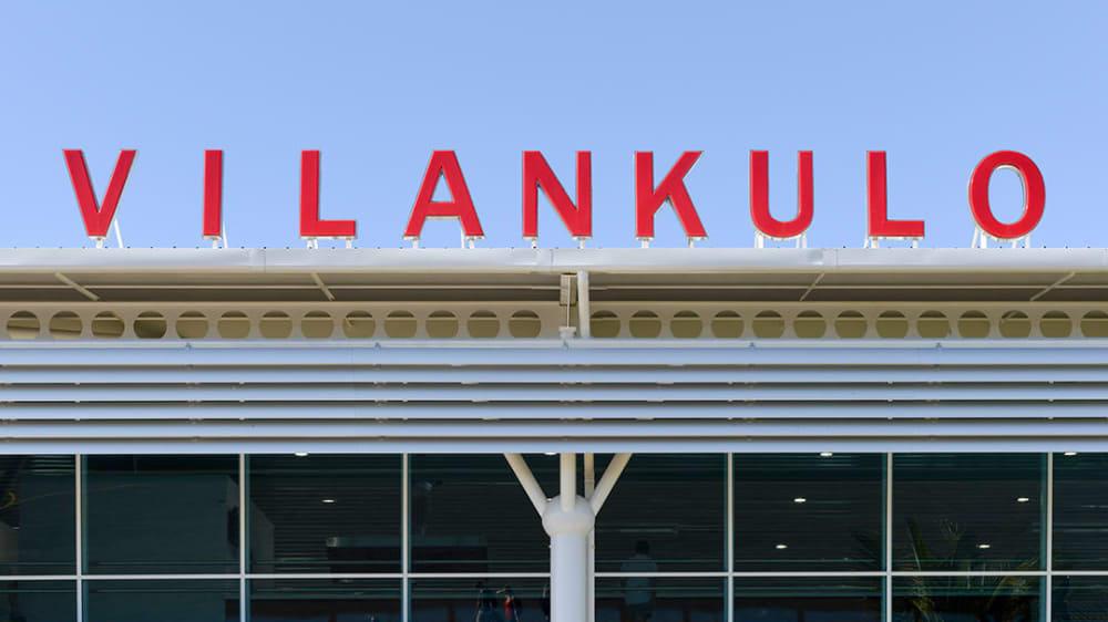 Vilanculos airport 1 j0llcv