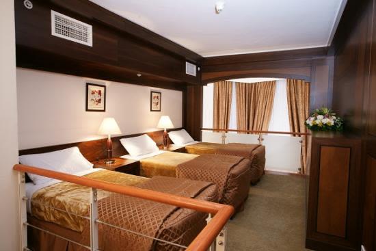 Retaj Al Bayt Suites Hotel