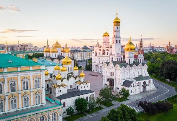 Территория Кремля + Красная площадь
