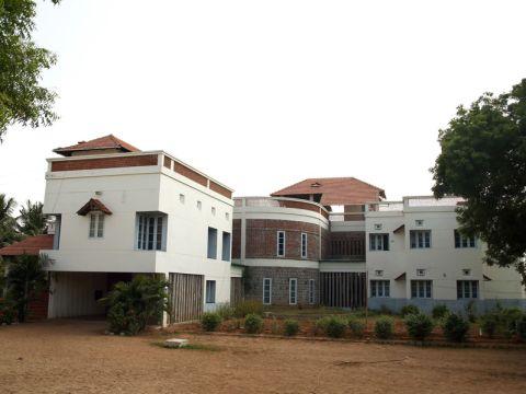 SCHOOLS  C Earth Architects