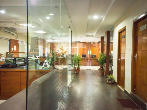 OFFICES & STORES  Finesse Interiors
