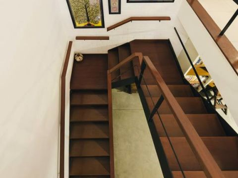 STAIRCASE  Kamat and Rozario Architecture