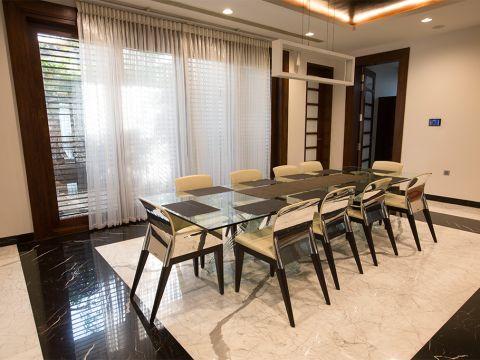 DINING ROOM  Siraj and Renu Interiors