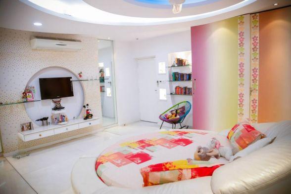 Nursery/Kid's room Dzyner Interiors