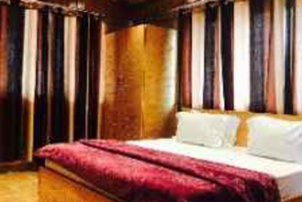 Hotels Pankaj Juneja