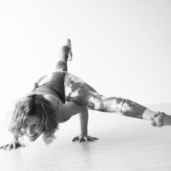 Principles of Arm Balances Workshop with Vicki Smart