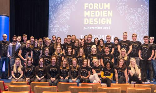 Forum Medien Design und ihre selbst gestalteten T-Shirts