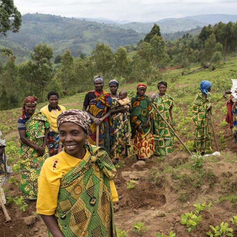 Como podemos fortalecer o direito das mulheres à terra? Foto: Will Baxter/Tearfund