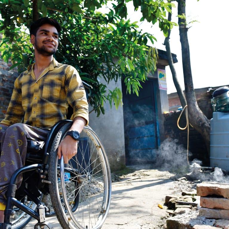 Algunas personas con discapacidad pueden necesitar apoyo adicional durante los brotes de enfermedades infecciosas. Foto: Scott Munn photography/EHA Anugrah