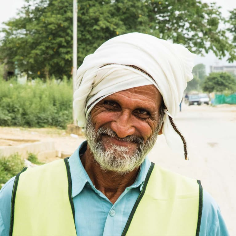A community waste worker in a new project in Pakistan run by Tearfund's partner Pak Mission Society (PMS).