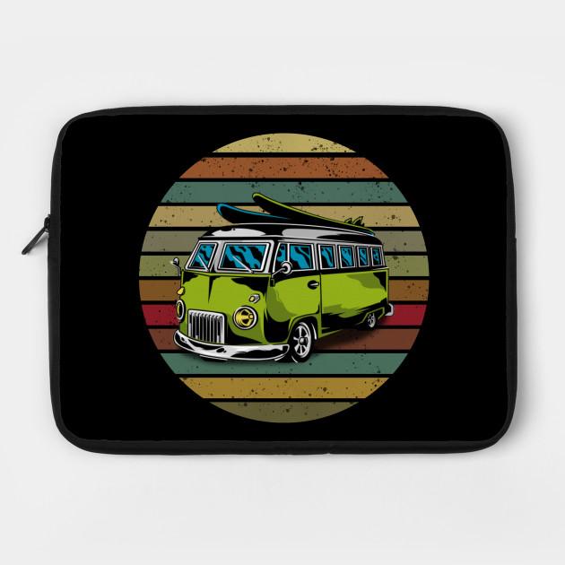 vintage traveling car by boboutique