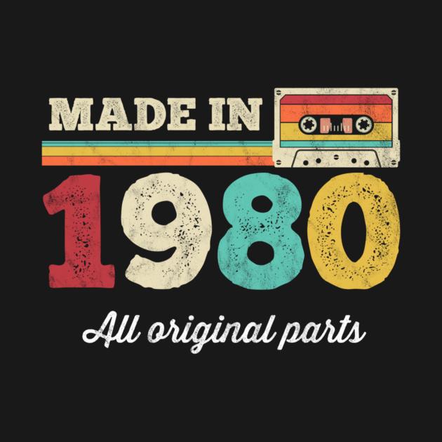Born in 1980 40 Birthday Gift 1980 Limited Edition Cassette TapeGift Tee Long Sleeve Hoodie Sweatshirt